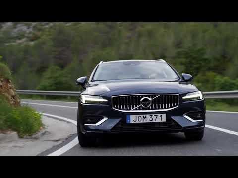 New Volvo V60 D4 Inscription Blue running footage in Spain 2018