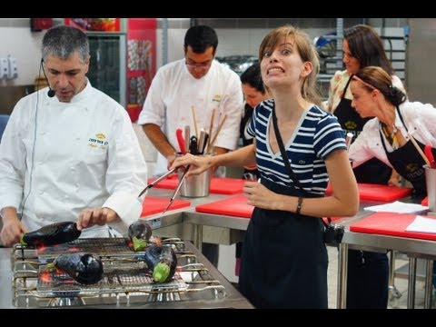 Israeli Cooking Class at Dan Gourmet with Taste of Israel Food Tour in Tel Aviv (כיתת בישול ישראלית)