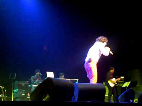 Sonu Nigam - Suraj Hua Madham (live) June 28, 2012 video