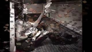 Watch Sheryl Crow Lucky Kid video