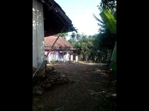Dusun cadas ngampar tinggal kenangan.