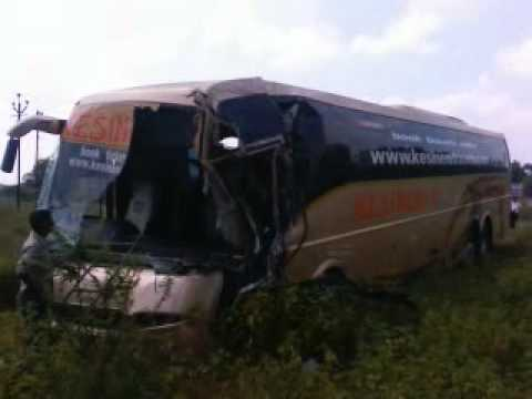 kesineni volvo multiaxel bus accident near solapur(nh09 ...