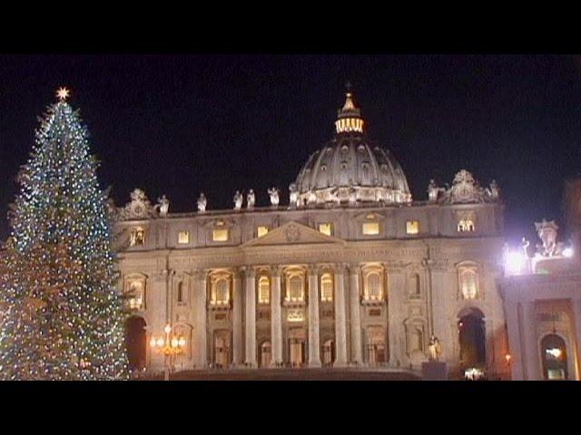 """Vaticano acende iluminação de Natal com """"leds"""" de baixo consumo"""