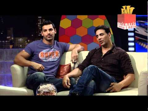 Taran Adarsh plays rapid fire with Akshay Kumar & John Abraham