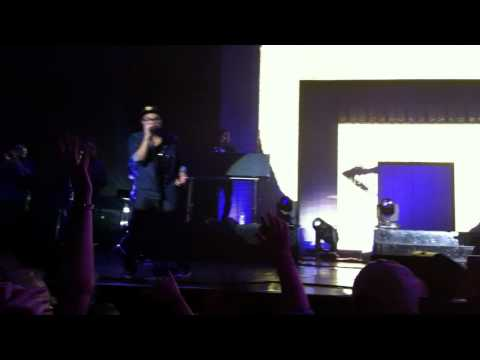 Bruno Mars - Nothing on you live in Hamburg 05.10.2011