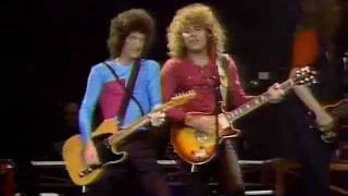 Watch Reo Speedwagon Ridin The Storm Out video