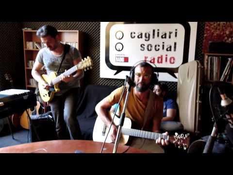 SONO CADUTI TUTTI GLI ALBERI / SIKITIKIS LIVE! @ RADIO X