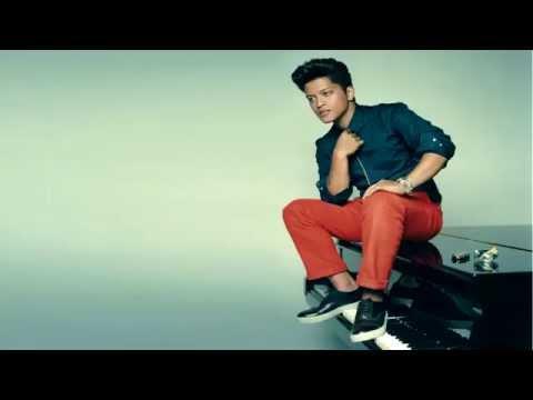 Bruno Mars - Uptown Funk ft. Mark Ronson (Free MP3 Download)