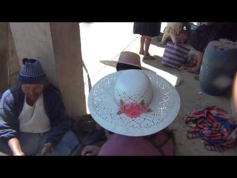 Irmãs Bolivianas trabalhando  Amoço