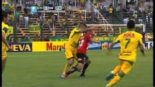 """""""Romántico"""" caño de Scocco.  Def. y Justicia 0 - Newell's 0. Fecha 14. FPT"""