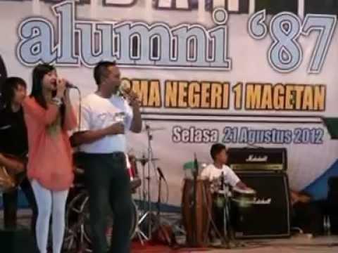 Farhan 6 th show Jambu Alas di reuni akbar SMAN I Magetan'87 th 2012