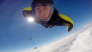 "Amazing Helmet Cam Footage From The U.S. Army Parachute Team ""Golden Knights"""