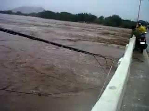 Creciente del rio balsas entre Cd. Altamirano y Coyuca de Catalan por tormenta Manuel