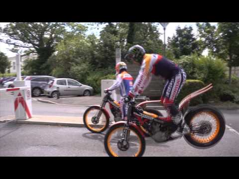 Toni Bou &amp; Takahisa Fujinami World trials champions entertain Honda staff