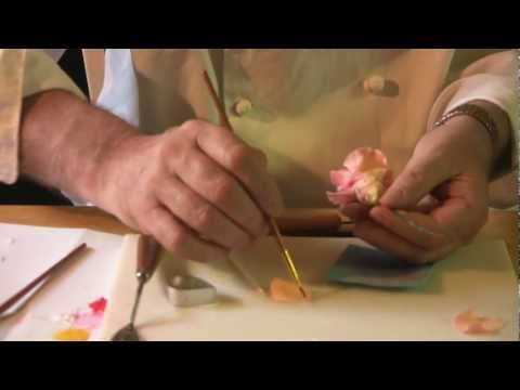 How to make gum paste roses tutorial Queen Elizabeth Rose