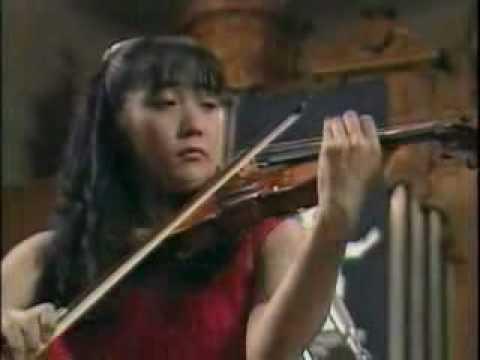 A.Suwanai plays Tchaikovsky Violin Concerto (1st Mov 1of2)