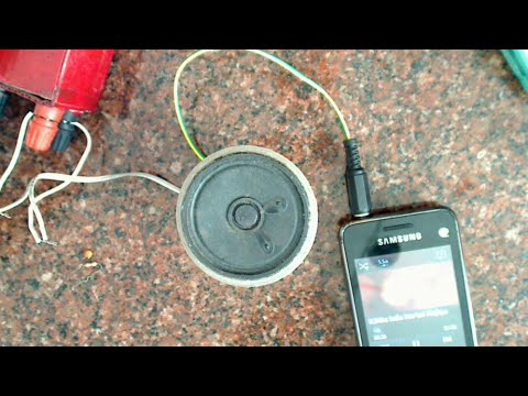Portable audio amplifier for mobiles and mp3 players
