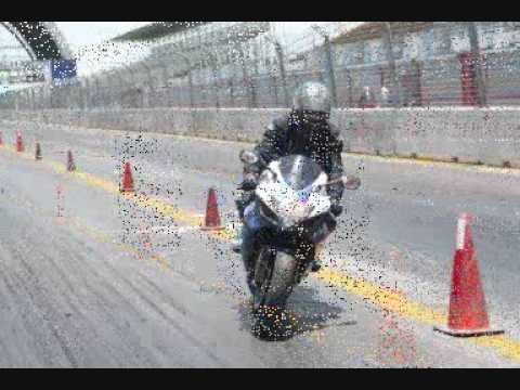 Primer curso de motociclismo en pista Monterrey