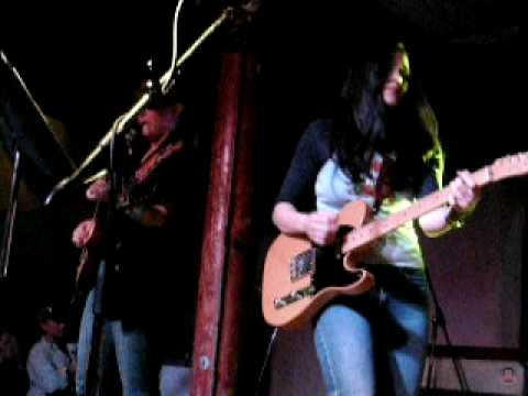 Antigone Rising feat. Shannon McNally - Sweet ForgivenessComfortably...