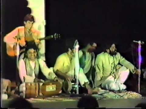 Qawwali Ki Raat Stage Show: Humein to loot liya