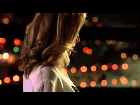 Gillian Anderson - SEXY