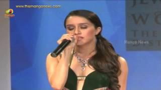 Shraddha Kapoor singing Teri Galiyan song from Ek Villain movie at IIJW 2014
