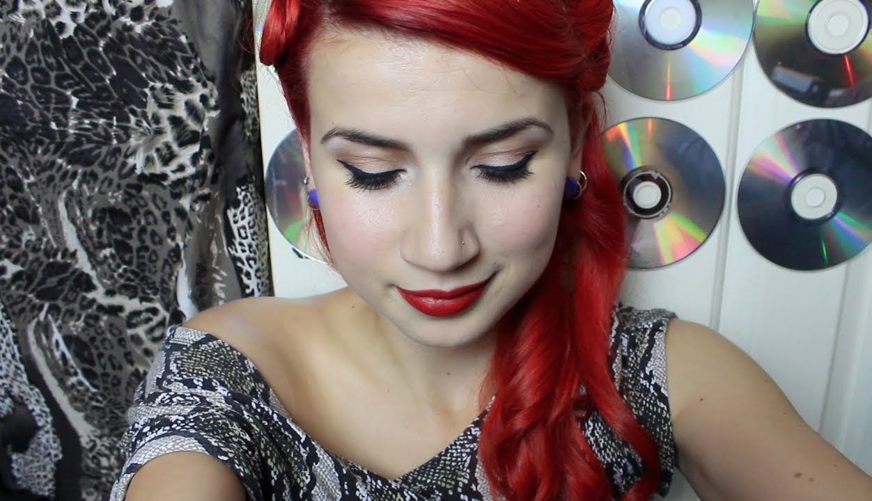 Pin Up/Rockabilly Makeup Tutorial - YouTube