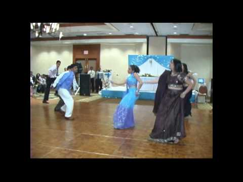 2005-06-04 mujse shaadi karogi song performed at AMI-AMIRs wedding...