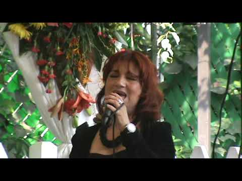 Vestida de azúcar Sandra López Juguemos a Cantar