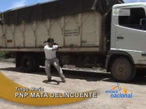 (Imágenes impactantes) Asaltante muere en enfrentamiento con la policía