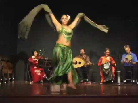 Belly dance with Amira Ariana (part 1)