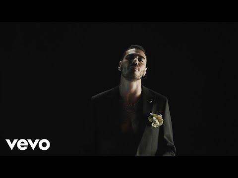 Marracash - Senza Un Posto Nel Mondo (feat. Tiziano Ferro)