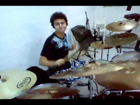 Rafael Graciano Meus Pr�prios Meios Drum Cover.avi