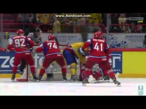 IIHF 2012 - Dmitri Kalinin broke Johan Franzens nose! [RUS-SWE] - IIHF 2012