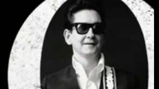 Watch Roy Orbison Going Back To Gloria video