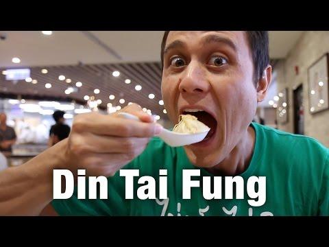 Din Tai Fung at Taipei 101: How to Eat Soup Dumplings