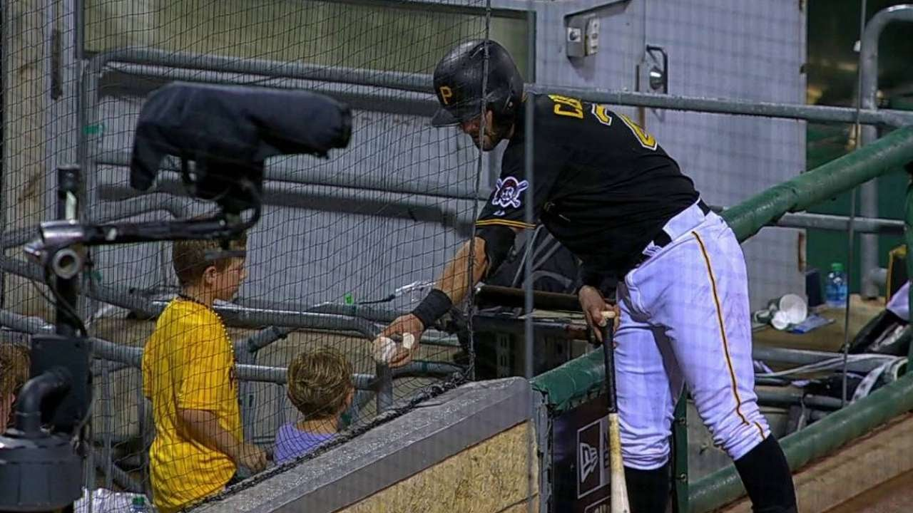 SD@PIT: Cervelli gives foul ball to young fan