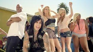 Watch Falling In Reverse Good Girls Bad Guys video