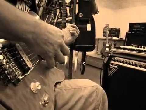 Дуэль с электропианисткой в музыкальном магазине