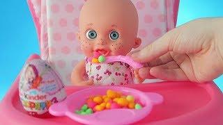 Пупсик кушает еду для кукол из Play Doh, открываем сюрприз Маша и Медведь/pretend play by Зырики ТВ
