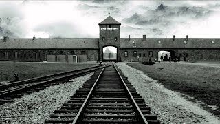 Watch Francesco Guccini Auschwitz video