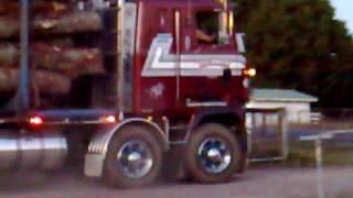 Mack MH E9 525