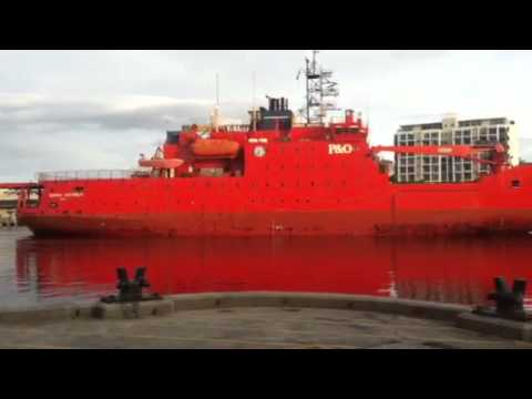Aurora Australis arriving back in Hobart