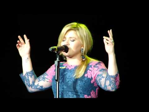 Kelly Clarkson & Boston Pops - Stronger - 5/2/2013