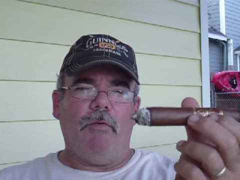 El Cubanito Cigars reviews Oliva V series Figurado cigar
