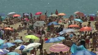 Overcrowding at Europe's tourist hotspots prompts backlash