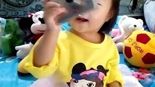 Funny !!! Baby 16 Month Can Use Camera