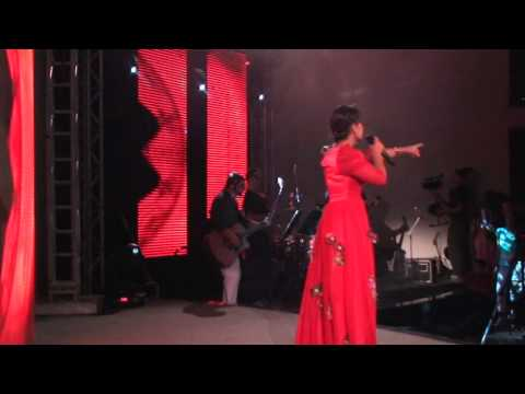 Cantora Tangela O Messias DVD ao Vivo em Goiania