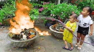 Trò Chơi Bé Làm Lính Cứu Hỏa Chữa Cháy Nhà Búp Bê ❤ ChiChi ToysReview TV ❤