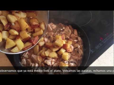 Pollo al ajillo al estilo tradicional, cocina española
